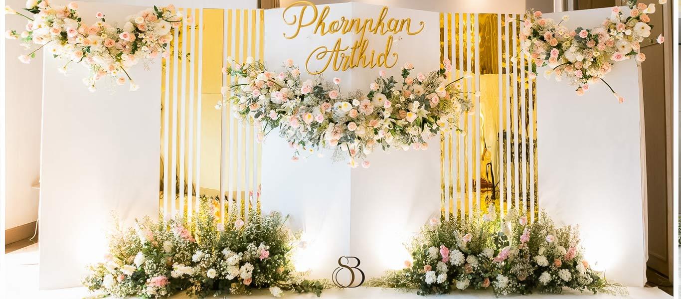 mẫu trang trí backdrop chụp hình cưới nhà hàng