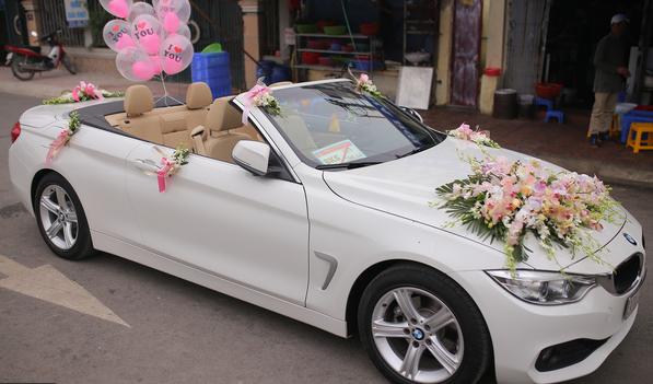 trang trí xe hoa ngày cưới
